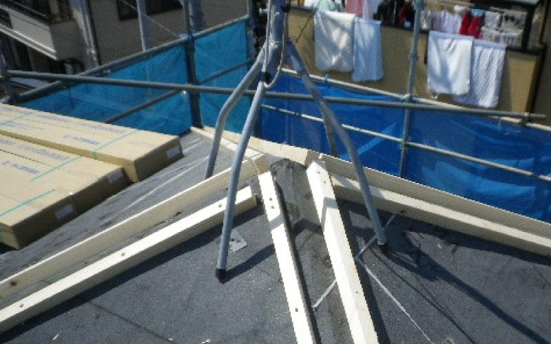 スレート屋根カバー工法の貫板の設置