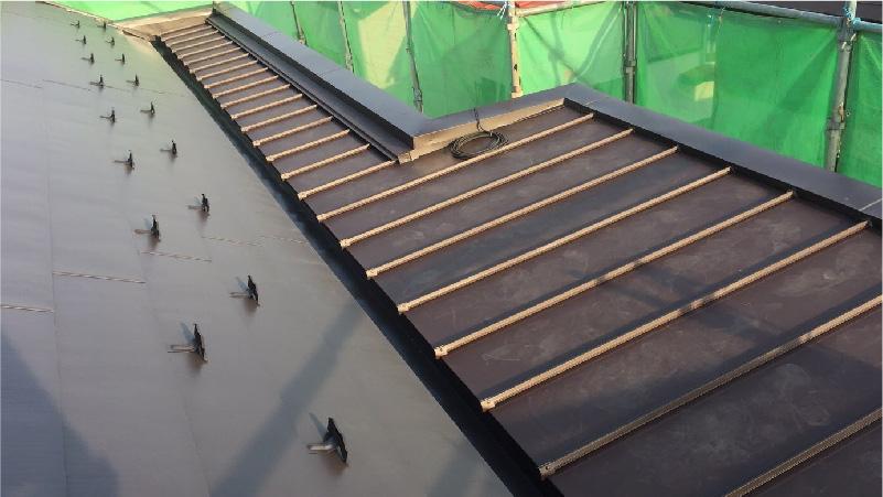 屋根の葺き替え工事の完成
