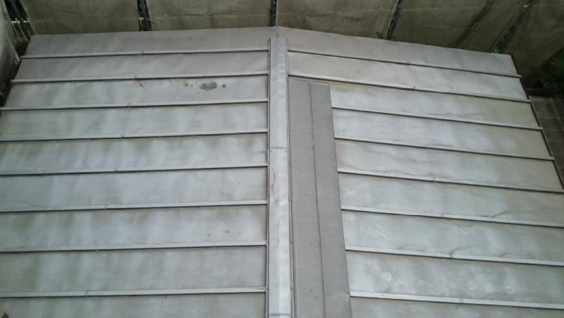 市川市のトタン屋根葺き替え工事の施工前の状態