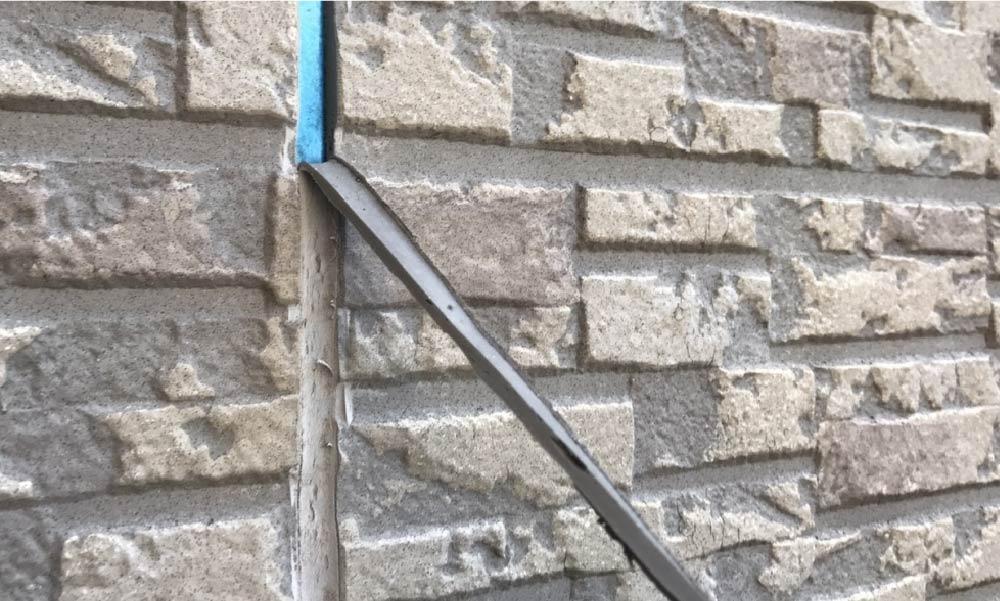 外壁のコーキングの補修