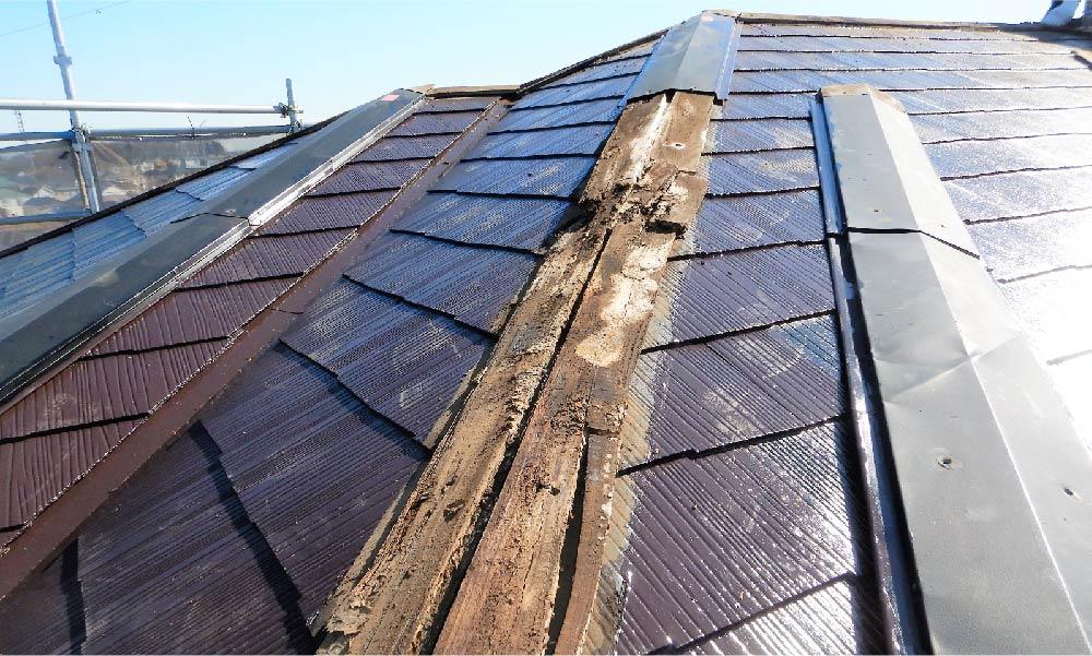 屋根の棟板金の部分修理(交換)