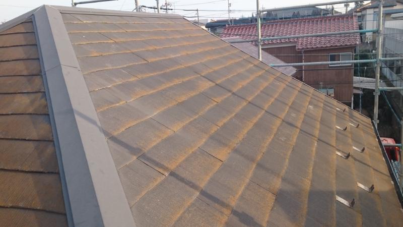 コケの生えた屋根
