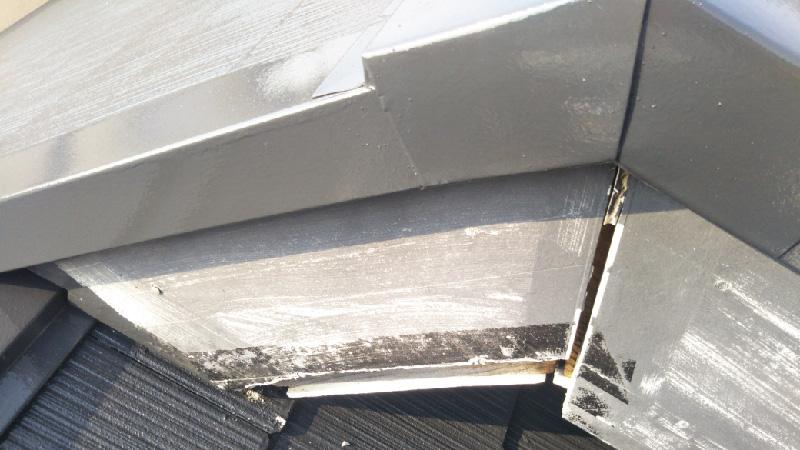 屋根塗装の破風板の劣化状態