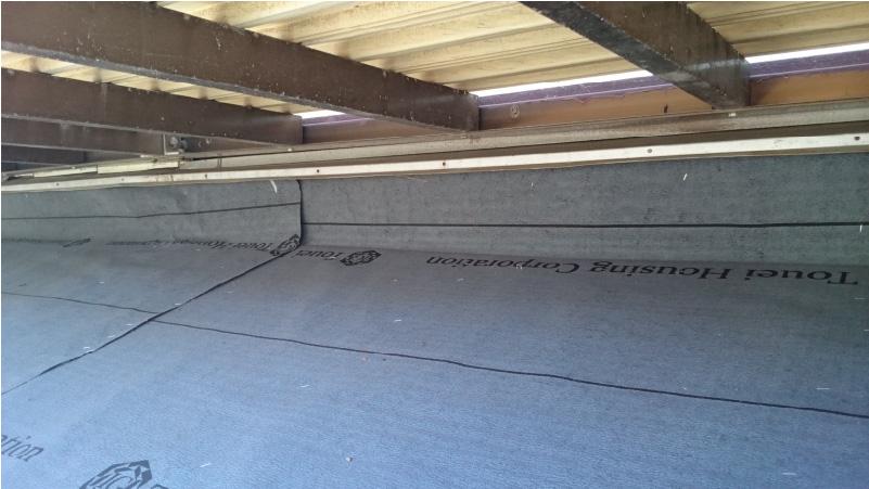 下屋根のベランダ下の雨仕舞いとルーフィングの設置