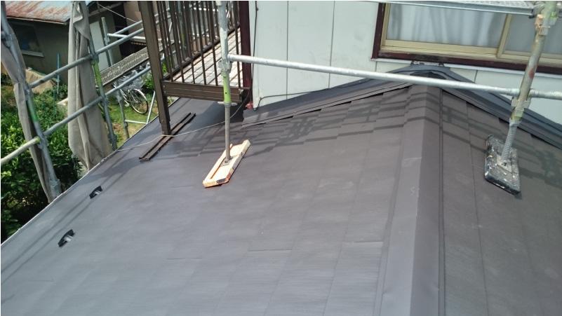下屋根の屋根の葺き替え工事が完了