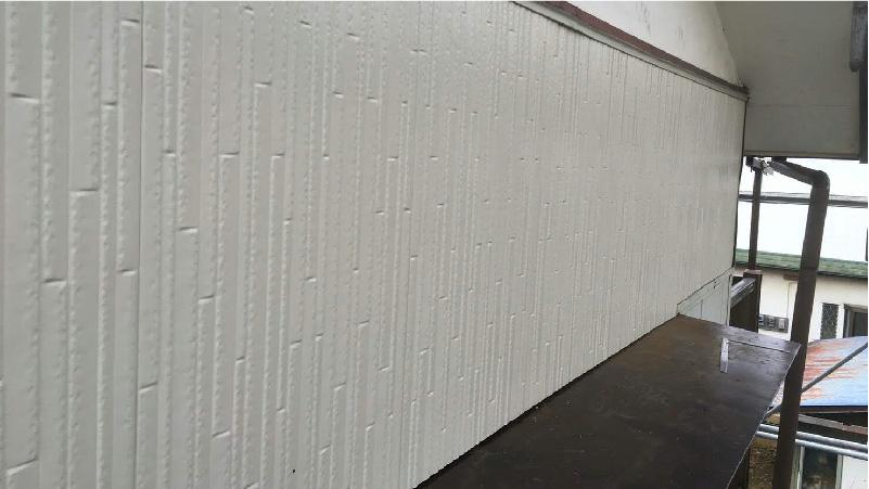庇修理の外壁材の設置が完了