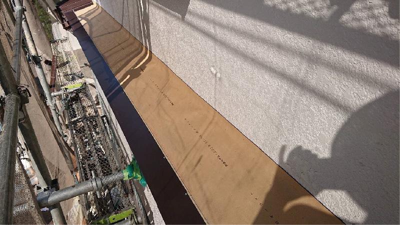 庇の防水シートの設置
