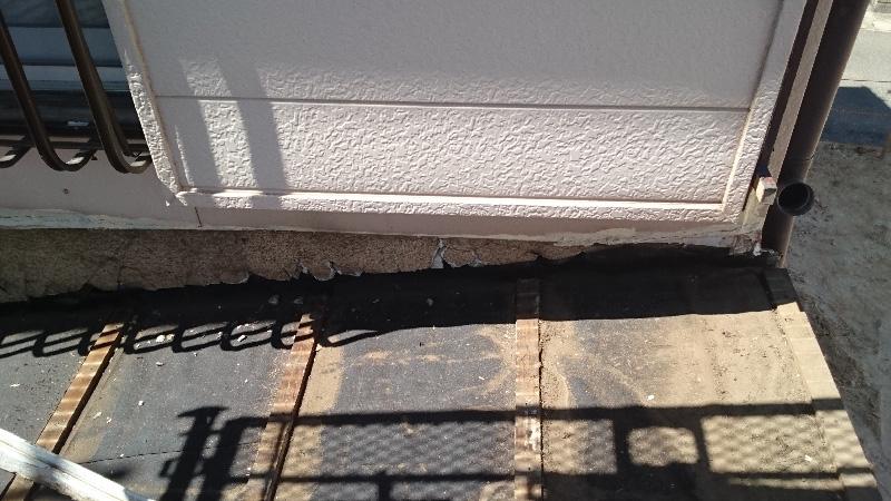 外壁と屋根の取り合い部分の羊水