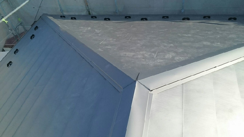 屋根の葺き替え工事完成後