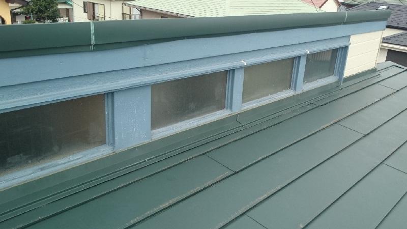 窓塞ぎ工事の施工前の様子