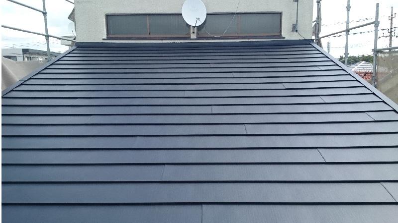 屋根カバー工法(重ね葺き)の完成