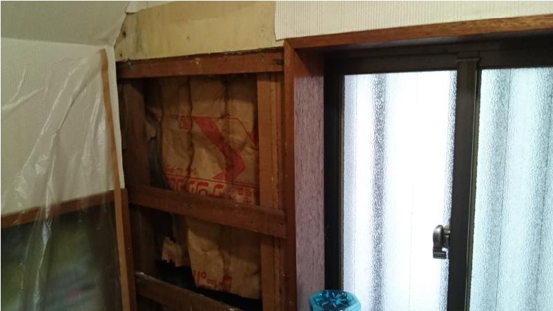 トイレの漏水修理の壁の補修
