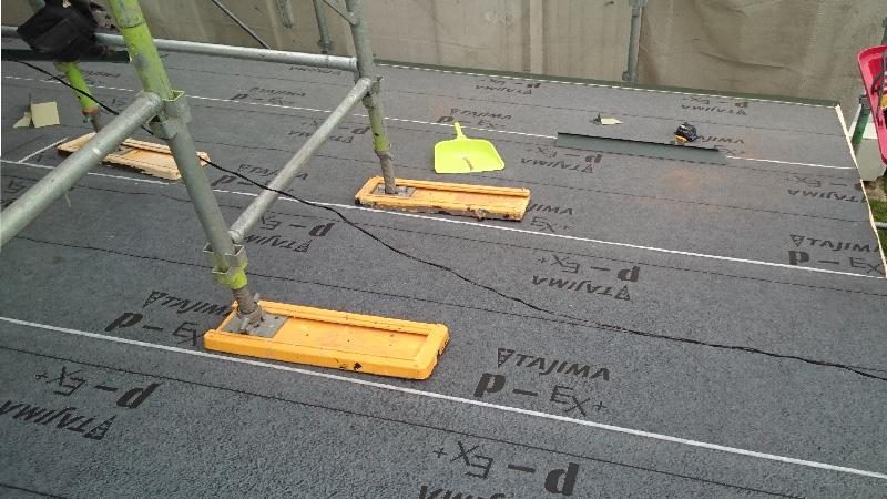 屋根の役物の設置
