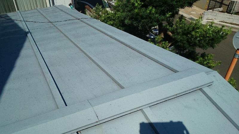 施工前のトタン屋根の劣化状態
