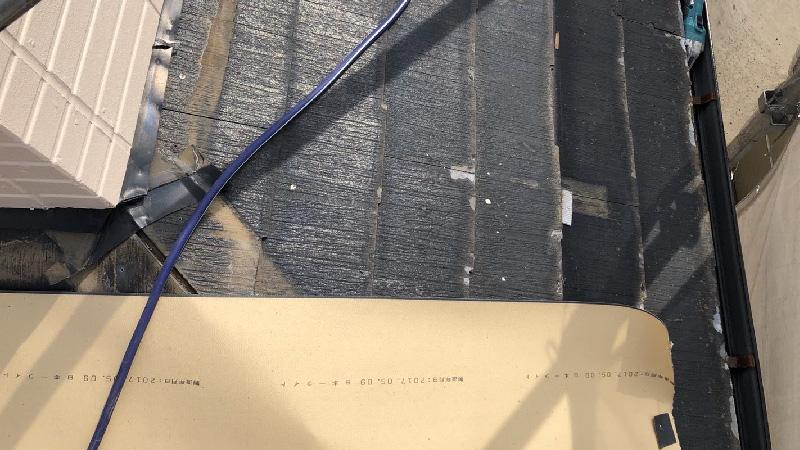 カバー工法のルーフィングの設置