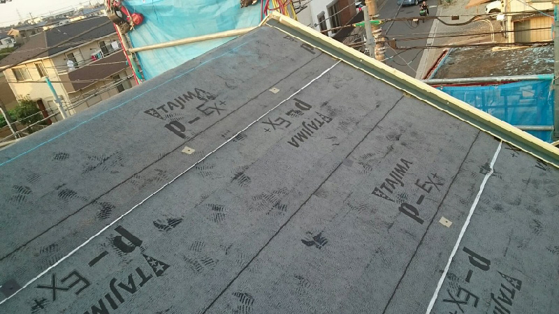 屋根の貫板の設置