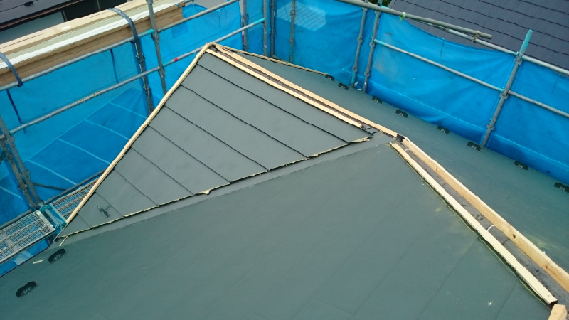 ガルバリウム鋼板の設置