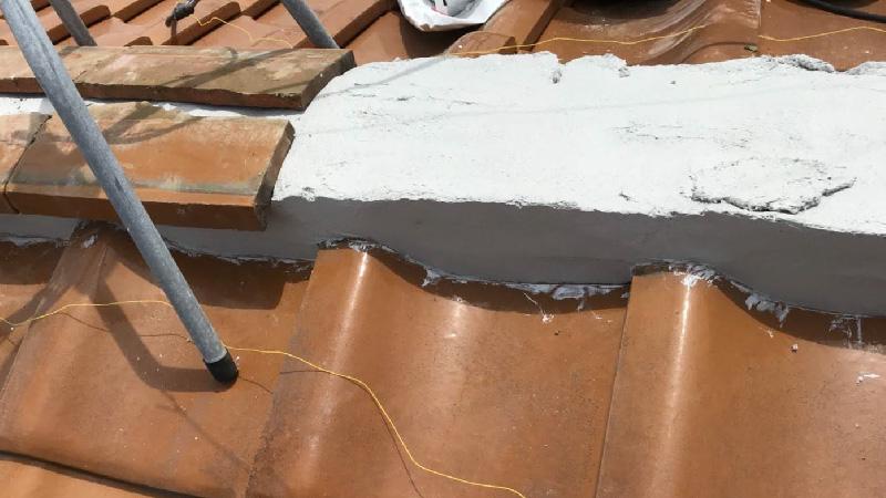 棟の漆喰の補修
