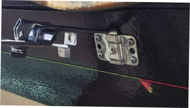 雨樋の取り付け金具の設置
