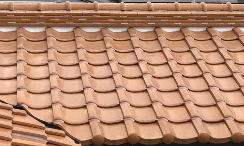 松戸市の棟の積み替え工事と雨樋交換工事