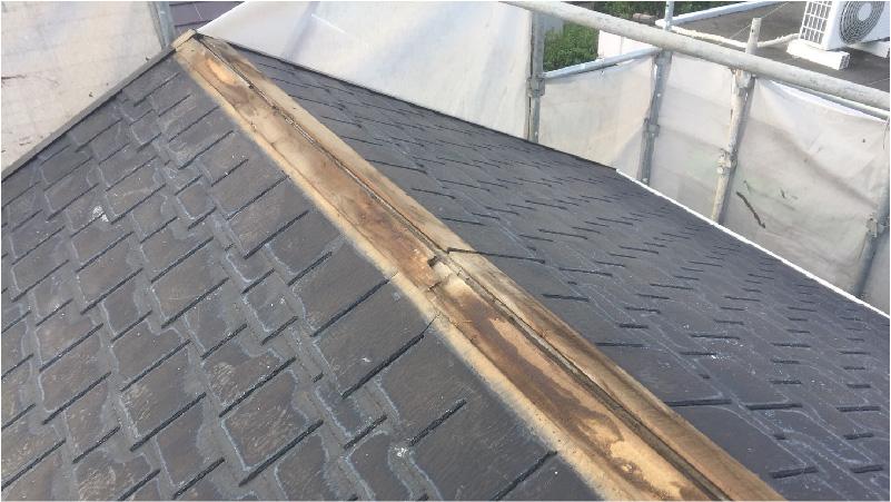 大屋根の棟板金の撤去