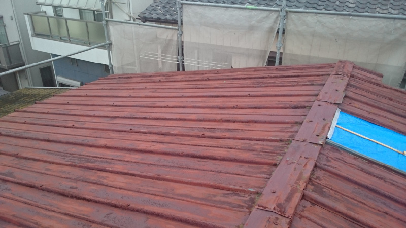 錆びの発生したトタン屋根