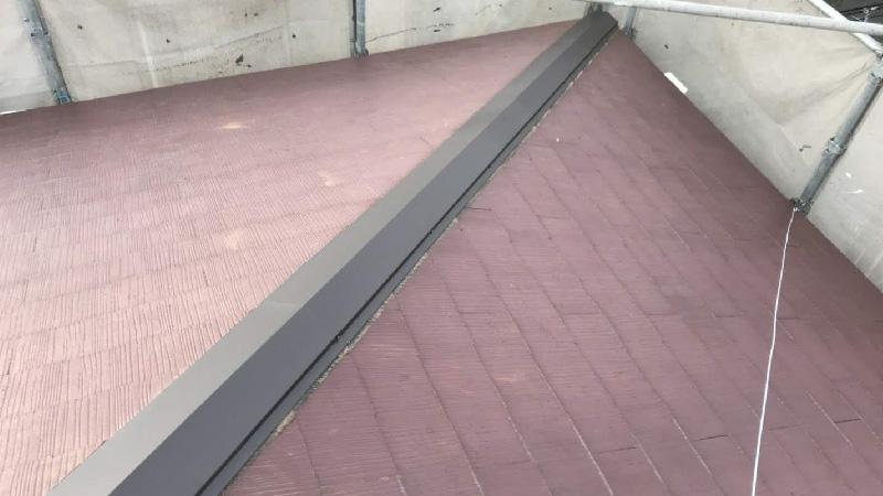 新しい棟包み板の設置