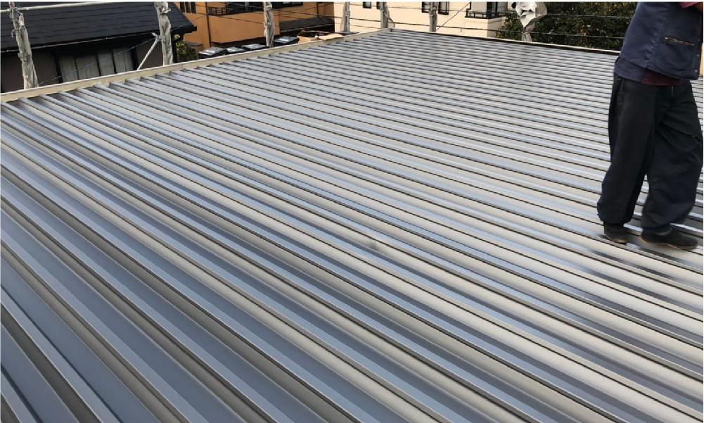 世田谷区の折半屋根の葺き替え工事