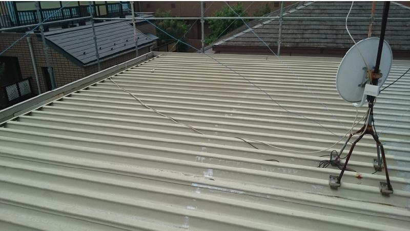 サビが発生している折半屋根