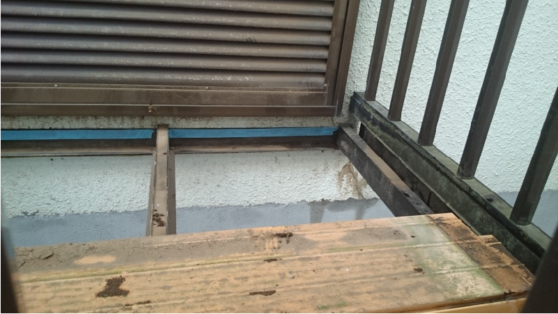 ベランダ床の撤去