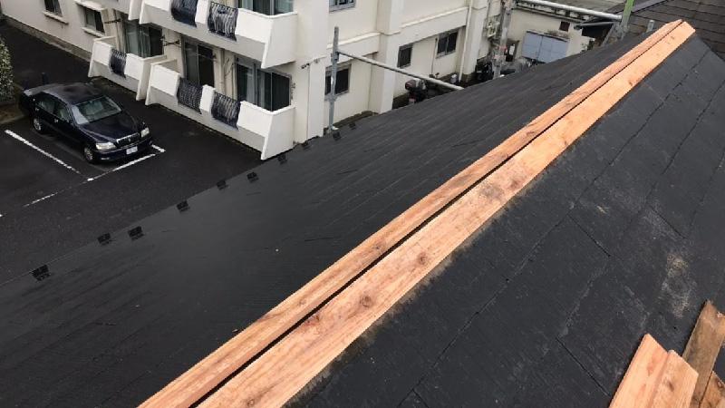 屋根板金の下地の設置