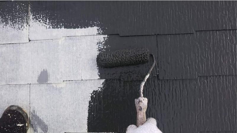 葛飾区の屋根塗装の中塗り工程
