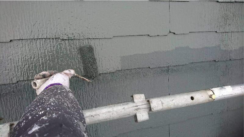 葛飾区の屋根塗装の上塗り工程