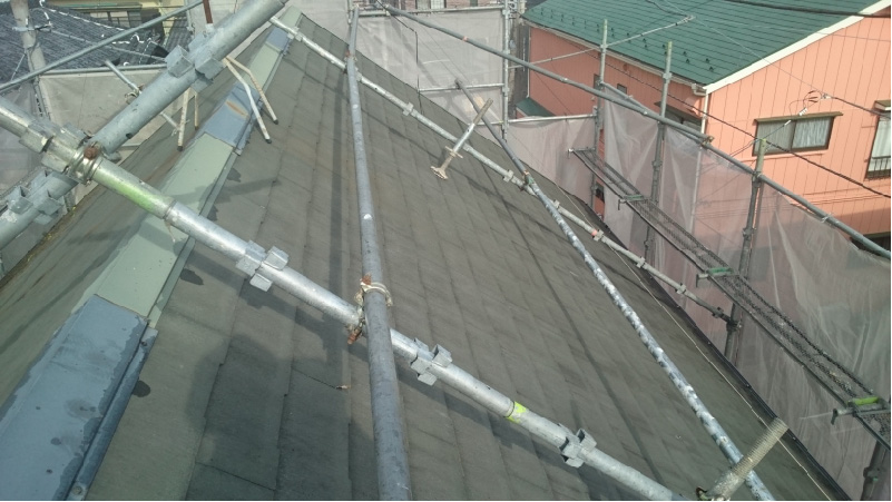 スレート屋根のツタの除去