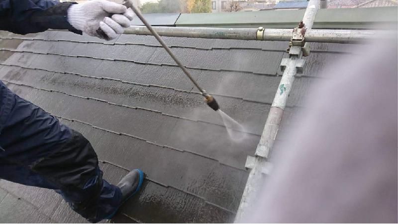 葛飾区の屋根塗装の高圧洗浄工程