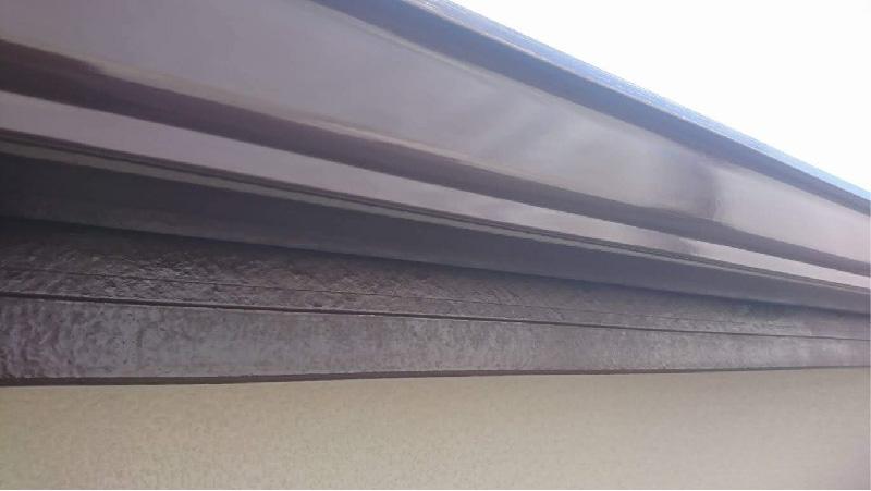 破風板と雨樋の塗装