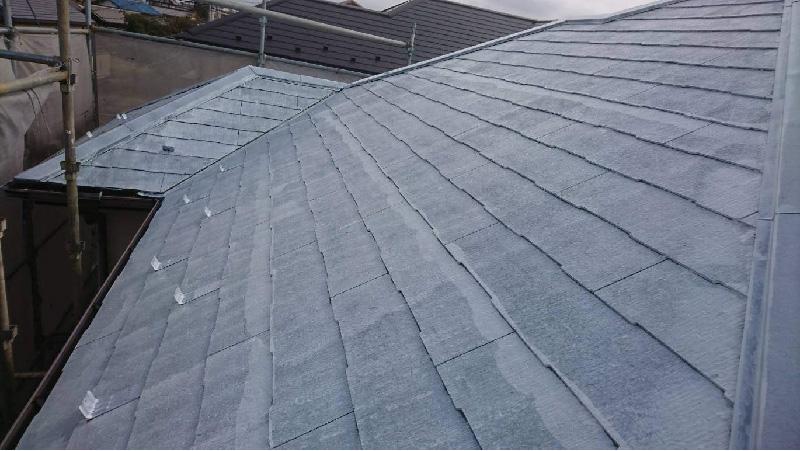 屋根塗装の下塗り工程