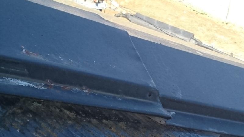 屋根板金の浮き
