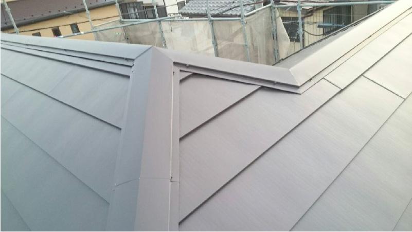 屋根カバー工法リフォームの施工前の様子