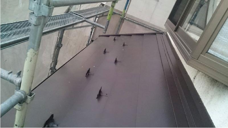 下屋根の雨仕舞い
