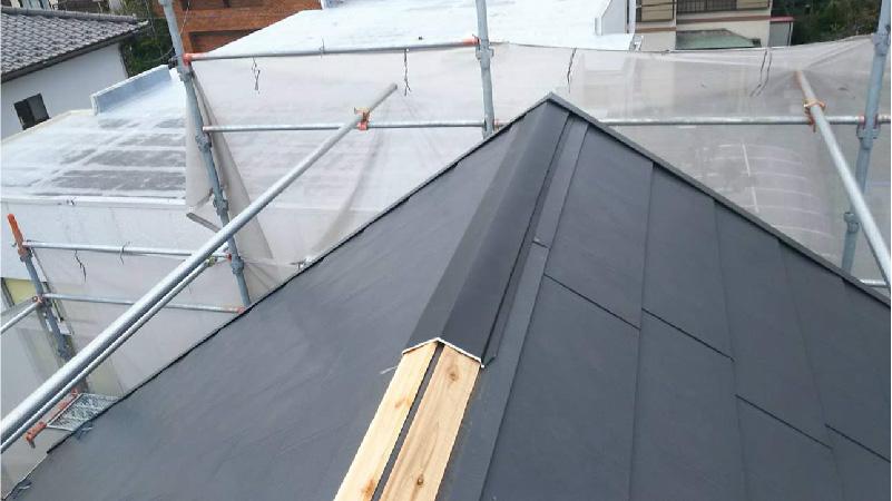 屋根板金(包み板)の設置