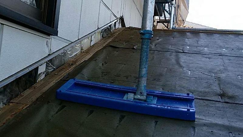 水に濡れたルーフィングシート