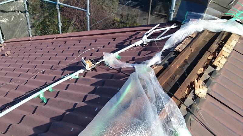 屋根板金が飛散した棟