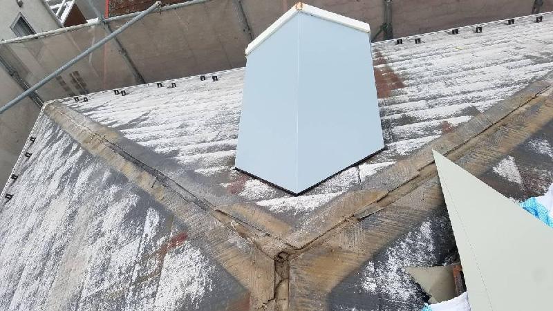 屋根の板金の撤去とドーマーの板金工事