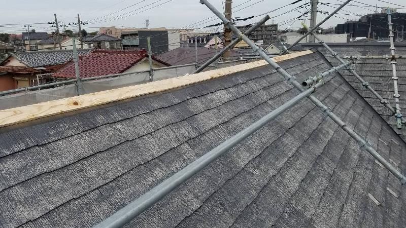 棟板金の下地板の設置