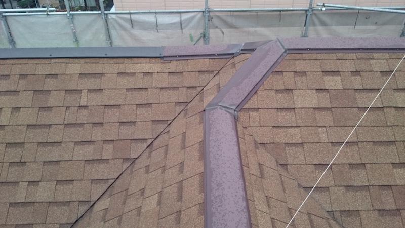 アスファルトシングル屋根の屋根塗装前の様子