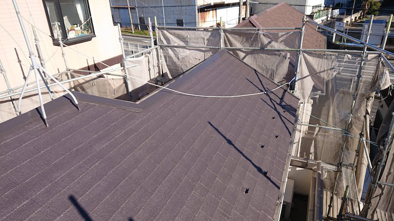 アスファルトシングル屋根の屋根塗装後の様子