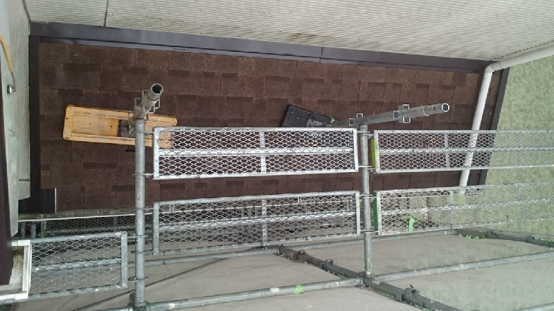 アスファルトシングル屋根の屋根塗装前の下屋根の様子