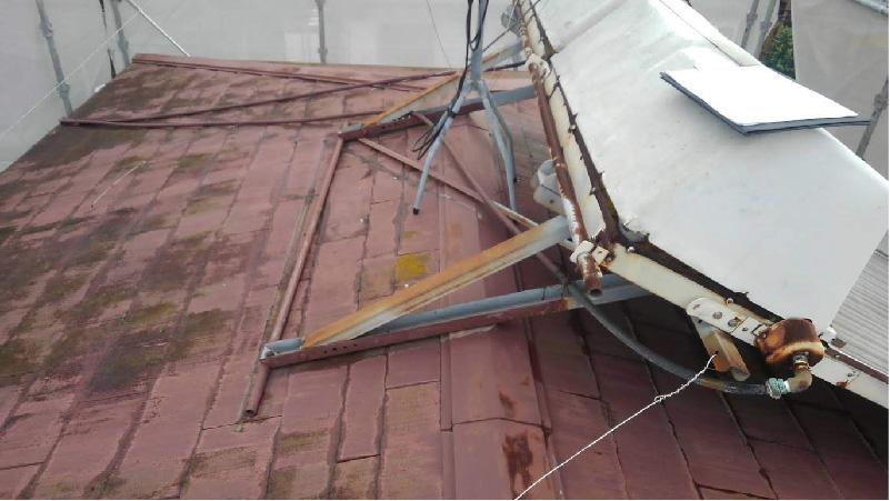 三郷市の屋根塗装工事の施工前の様子