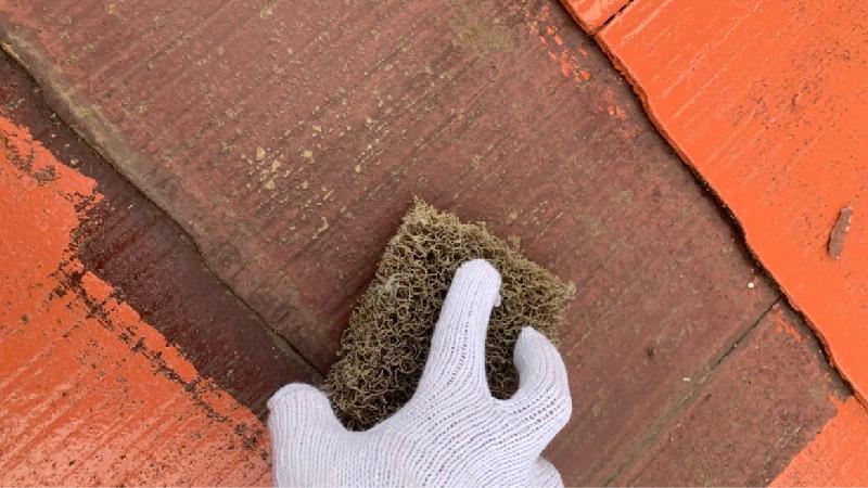 屋根塗装のケレン作業
